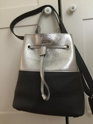 Furla schwarz Silber beuteltasche Leder Tasche stacy Lava  NP310€