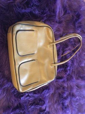 Furla Tasche beige glattleder aufgesetzte Taschen vorne zipp