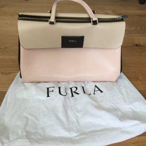 Furla Tasche,  neuwertig und in stylishen Farbtönen Finale Preisreduzierung!