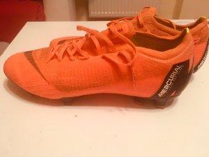 Nike Low Shoes orange