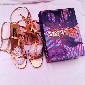 futtasma roman sandale