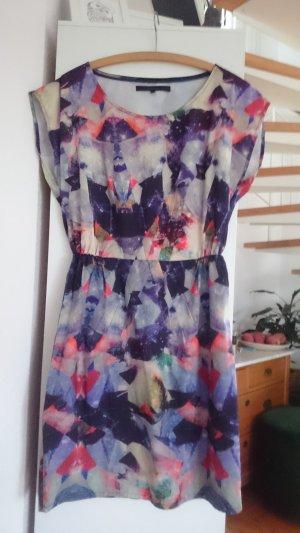 futuristisches Kleid , sehr vielseitig