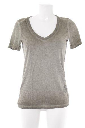 G-Star Raw V-hals shirt olijfgroen batik patroon casual uitstraling