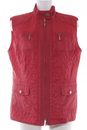 G.W. Quilted Gilet dark red casual look