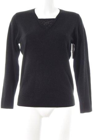 Gabriella K. Pull long noir style simple
