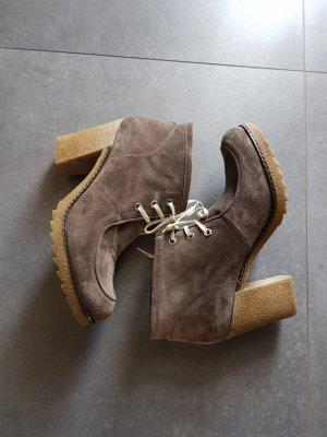 Gadea Platform Booties grey brown