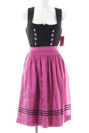 Gamsbock Dirndl schwarz-pink grafisches Muster klassischer Stil