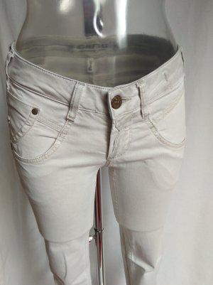 Gang skinny Jeans mit vielen schönen Details!