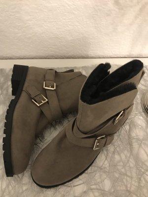 ganz neue, gefütterte boots in grau