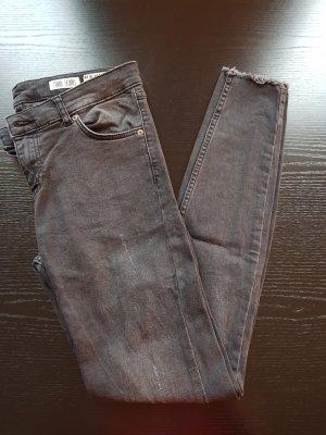Ganz neue graue Jeans :)