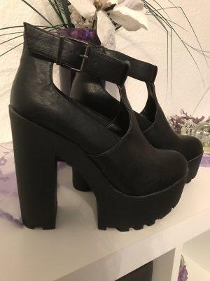 ganz neue high heel boots in schwarz