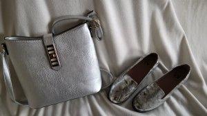 ganz neuer Schuh mit passender Tasche