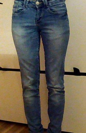 Ganz normale schöne Jeans