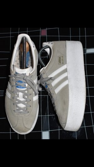 Gazelle Plateau Sneakers Gr. 40 in grau