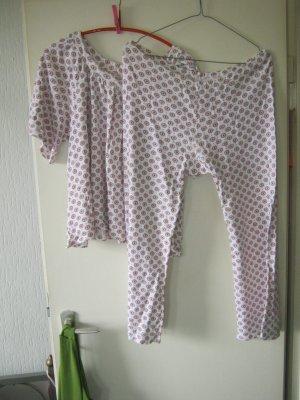 geblümter Schlafanzug Größe 40