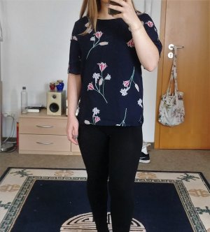 geblümtes Blusenshirt mit Plisseeärmeln