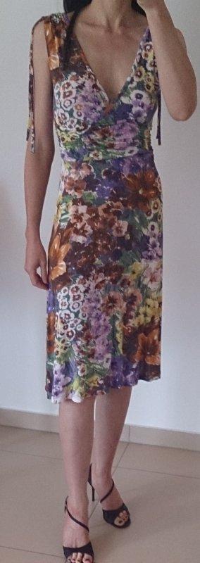 geblümtes Kleid