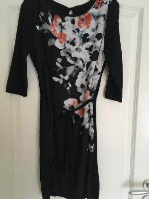Geblümtes Kleid Größe 40