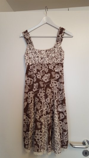 Geblümtes Sommerkleid, Frühlingskleid