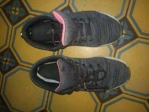 Zapatillas gris