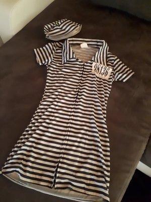 Gefängnis Outfit