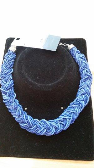geflochtene Kette in blau
