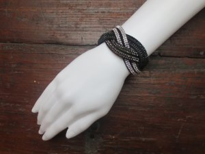 Geflochtenes Wickelarmband Wristband mit Steinchen