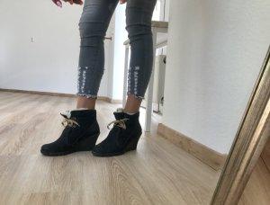 Gefütterte Keilabsatz Schuhe