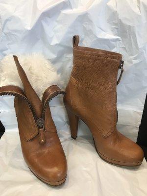 Gucci Botines de invierno marrón claro-blanco puro