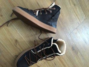 Gefütterter Schuh von Esprit