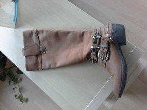 Gefütterter Stiefel, Größe 39