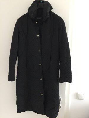 Gefütterter, strukturierter Mantel in schwarz von ZARA
