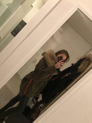 We Love Furs Bontjas oker-donkergroen
