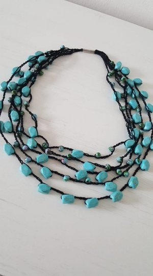 Necklace light blue