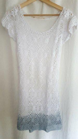 Gehäkeltes Kleid weiß mit Farbverlauf