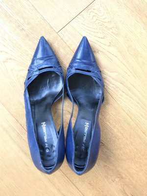 Pointed Toe Pumps cornflower blue leather