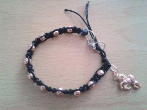Geknüpftes Armband Mikrama schwarz rose-gold Einhorn, handgemacht