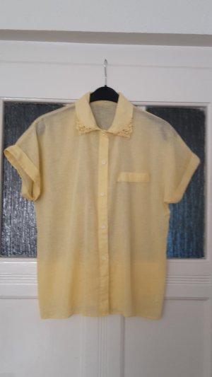gelbe Bluse - Damenbluse mit Stickerein am Kragen