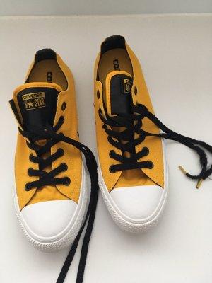 Gelbe Converse Sneaker
