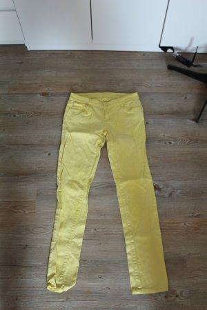 Wortel jeans geel