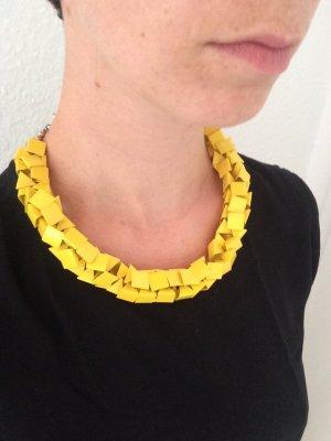 Gelbe Kette von Zara