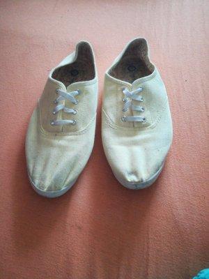 Yessica Zapatos brogue color oro