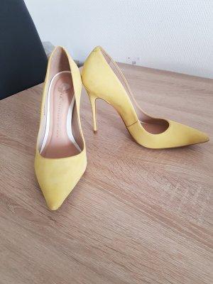 gelbe Pumps