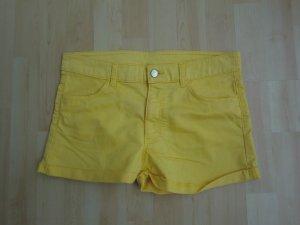 Gelbe Short