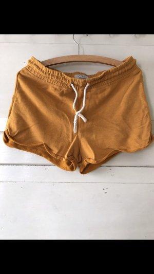Gelbe Shorts von Clockhouse