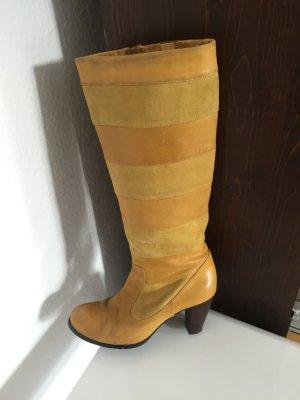 Gelbe Stiefel Größe 39