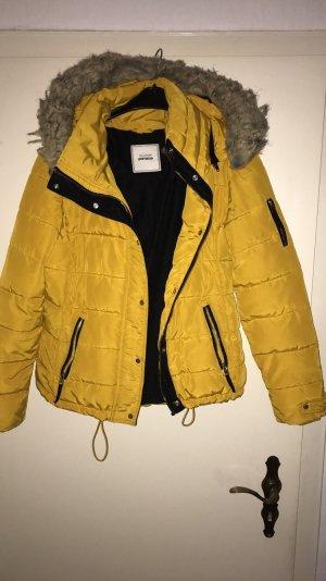 Chaqueta de invierno amarillo