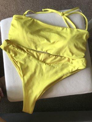 Gelber Bikini Brazilian