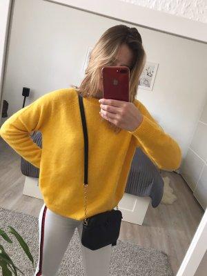 Gelber IvyRevel Pullover