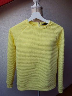 Gelber Pullover; Gr. 32